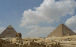 Khafre (left) & Khufu (right)