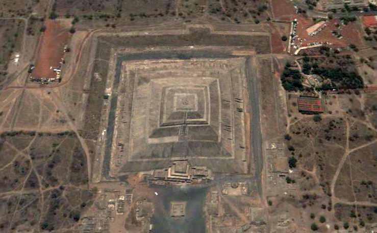 an in depth look at the famous pyramid of the sun in mexico The pyramid of the sun is  decorative niches that gave the pyramid its name make the pyramid very unusual: they add depth  this is probably the most famous of.