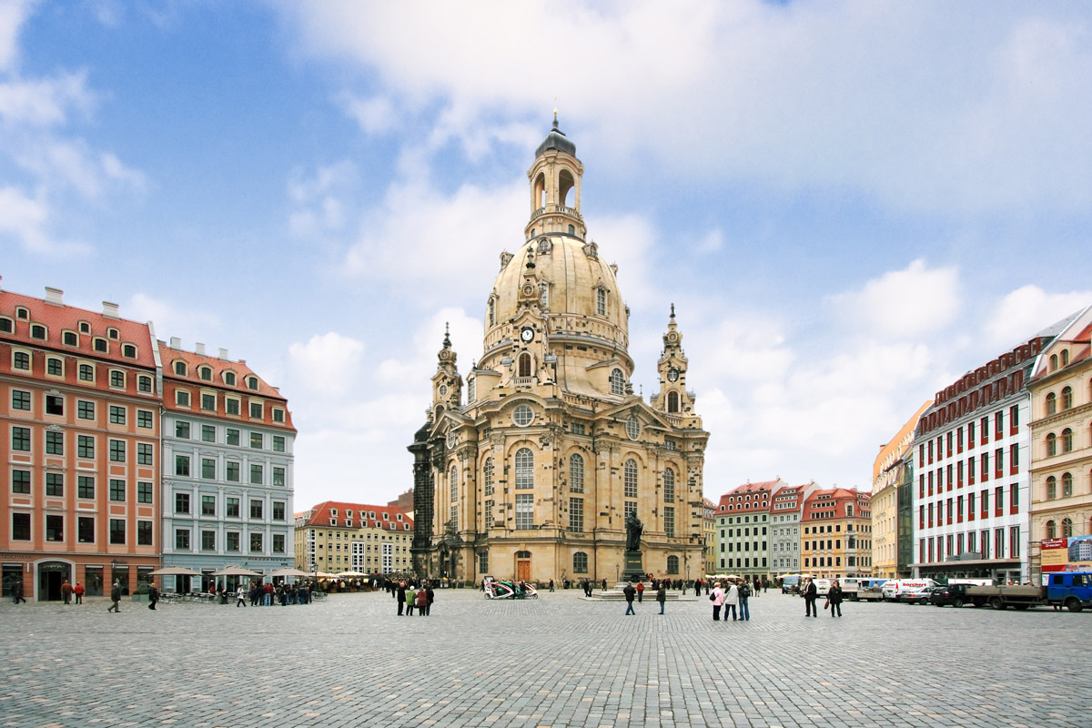 dresden frauenkirche history location. Black Bedroom Furniture Sets. Home Design Ideas