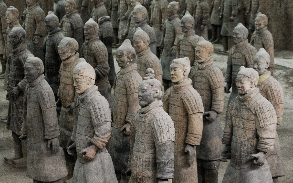 terracotta warriors The terracotta warriors are one of the must-visit attractions for all travelers to china the dramatic exhibition reveals the secrets behind the 2,000-year-old army of clay statues that.