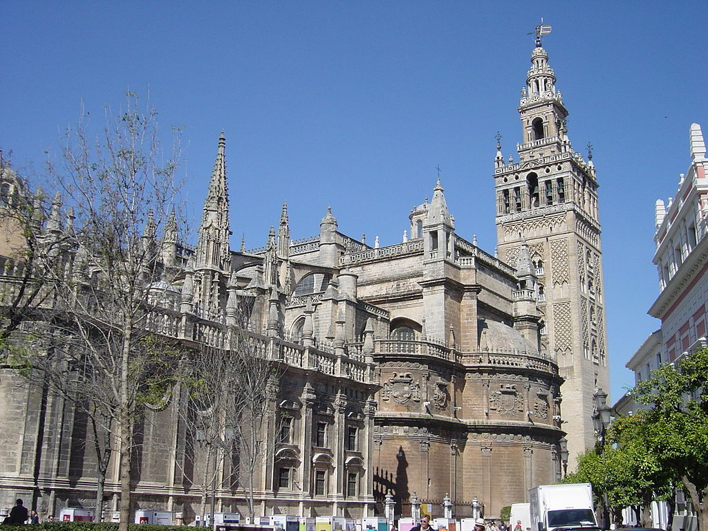 Seville cathedral giralda tower facts history location for Exterior catedral de sevilla