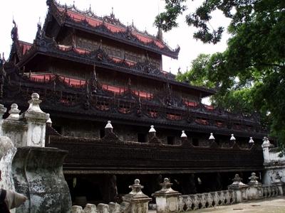 Shwenandaw Monastery 400