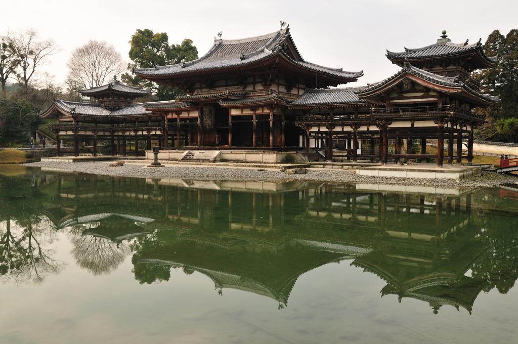Byodo In Temple 400