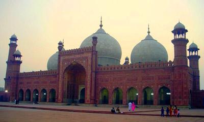 Badshahi Mosque 400