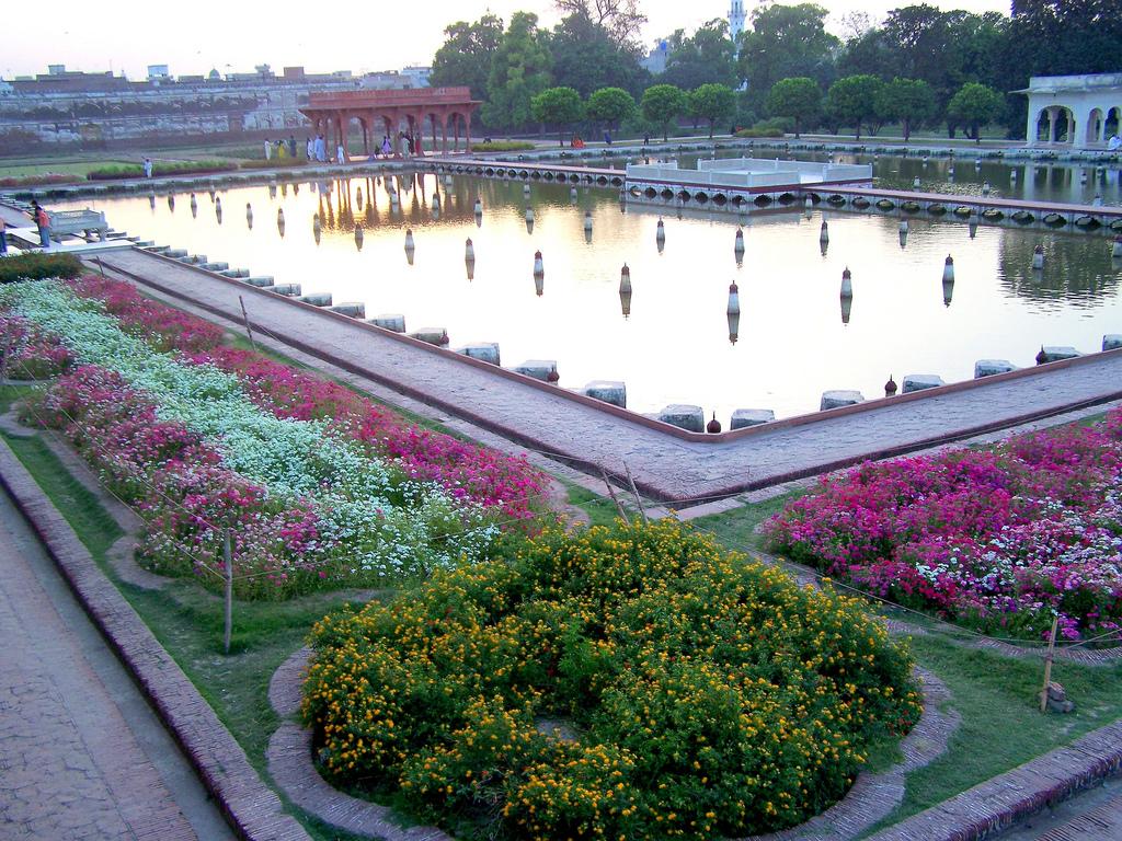 Shalimar Gardens Lahore | 1024 x 768 · 697 kB · jpeg