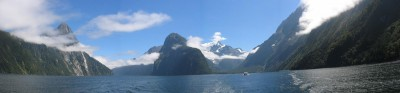 Panorama-of-Milford-Sound