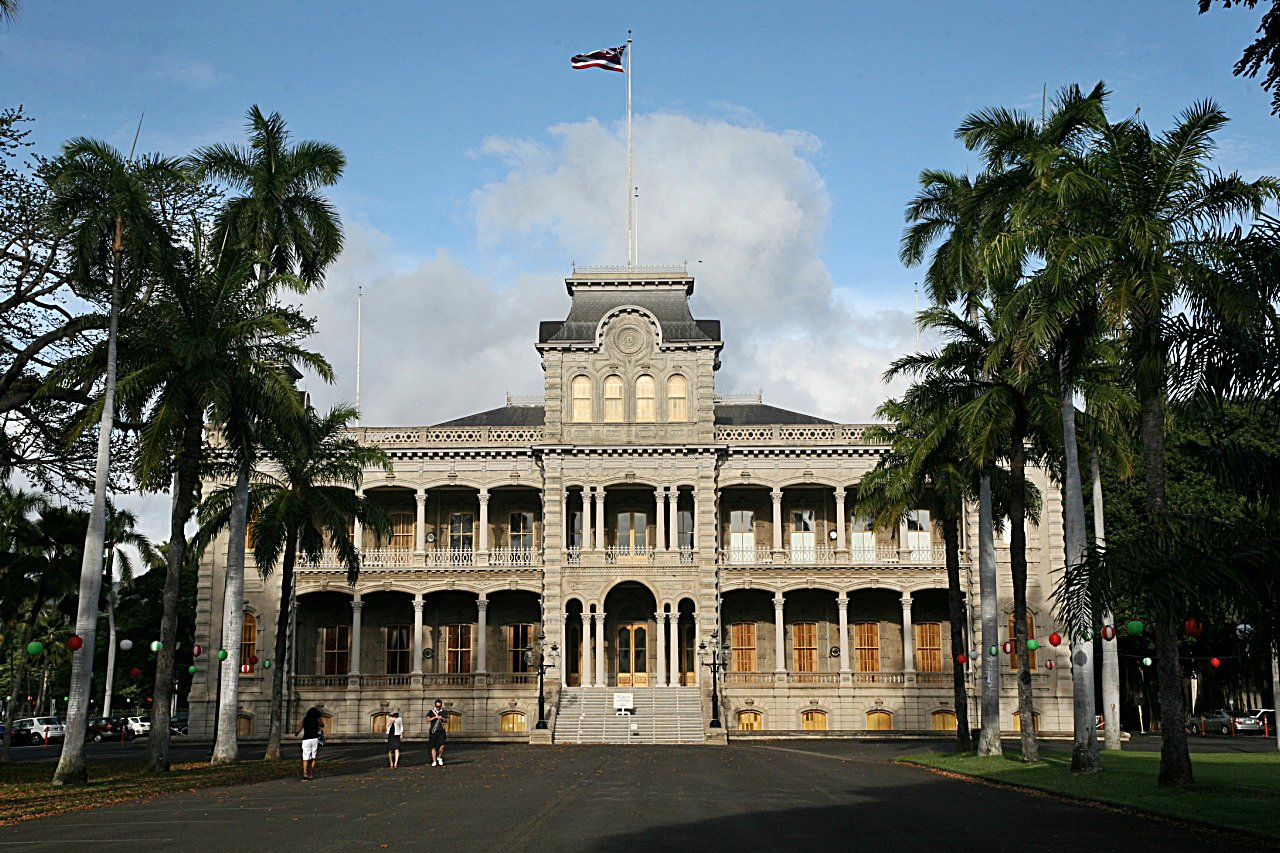 iolani palace In the capitol district of downtown honolulu stands the only true royal palace in  the united states – iolani palace a marvel of prestige and.