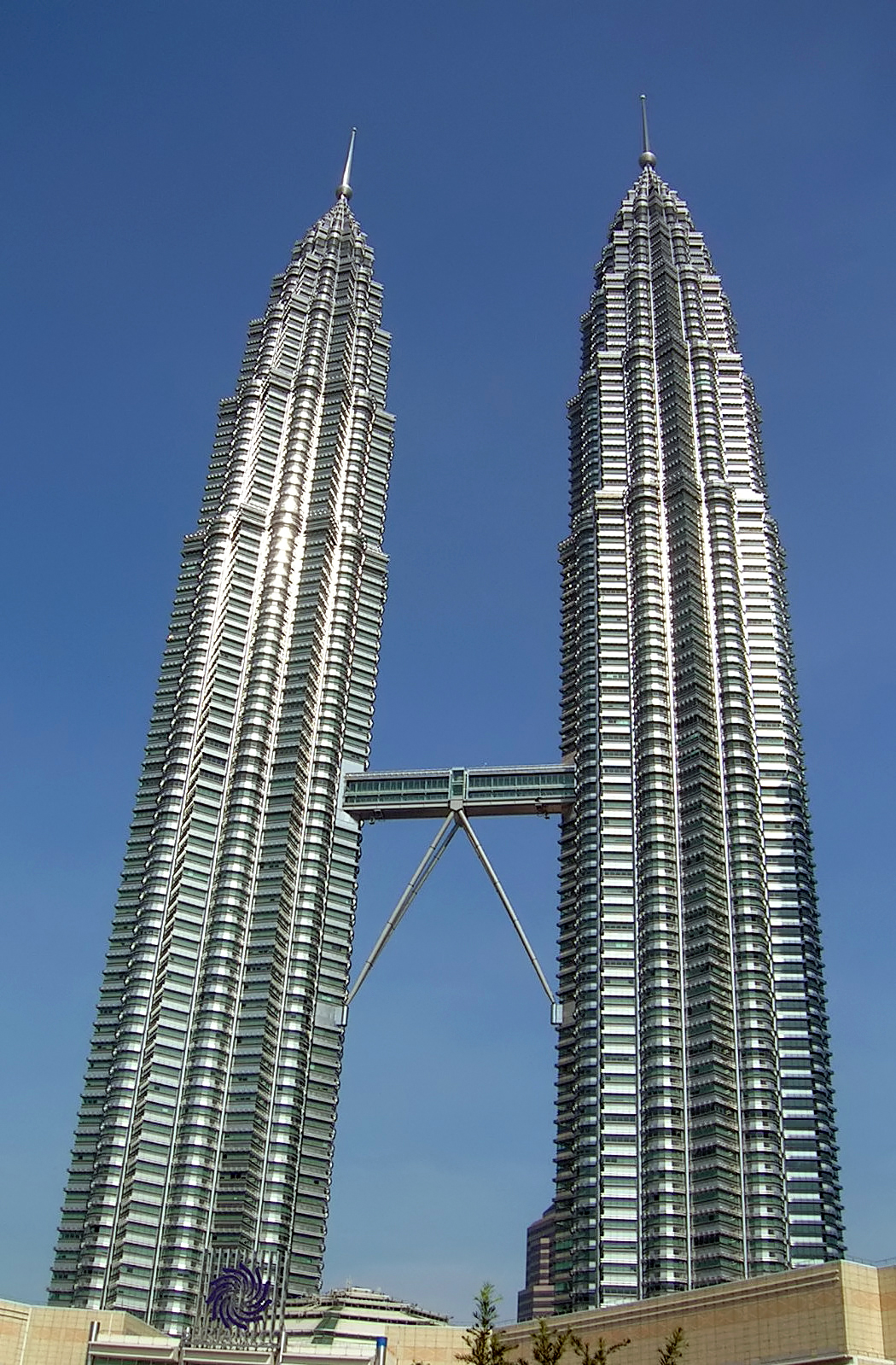 Tallest Buildings in the World – Top 10 List of World Tallest Building