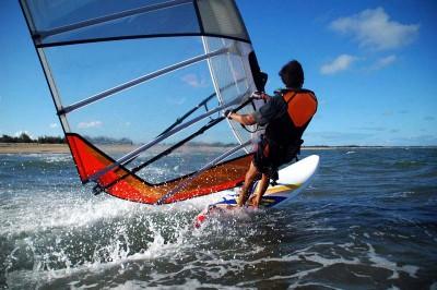 Man-Windsurfing