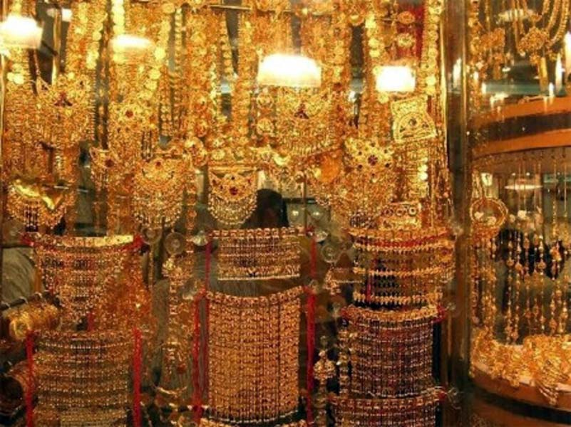 photos models ancient deira arab stock lush indian upon based souk alamy gold photo style necklaces images